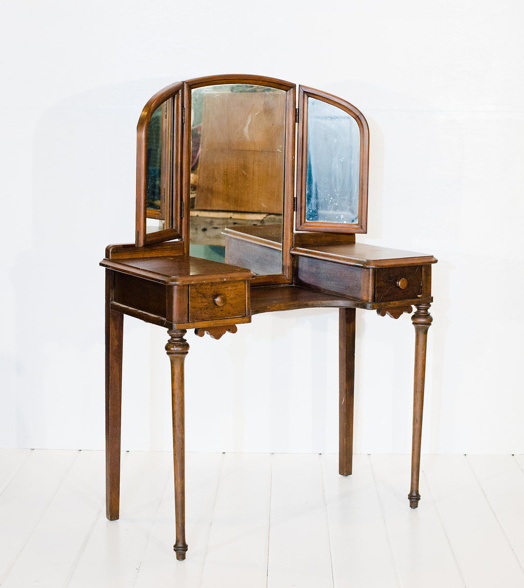 Antique Vanity - Antique Vanity- Vintage Rentals In Connecticut
