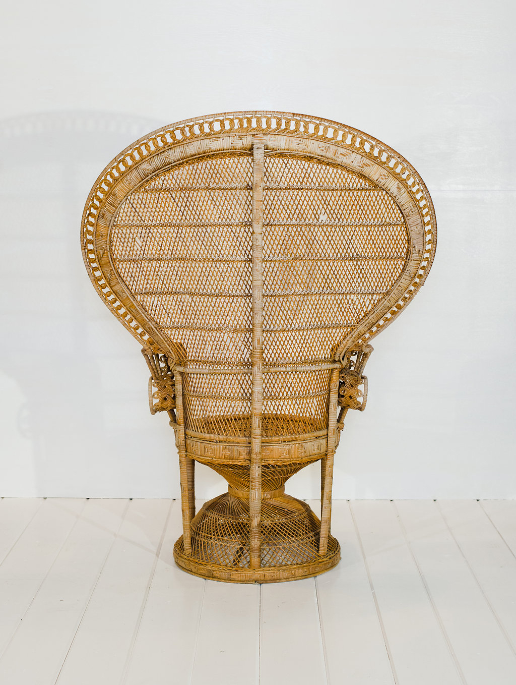 Peacock Chair Vintage Rentals In Connecticut