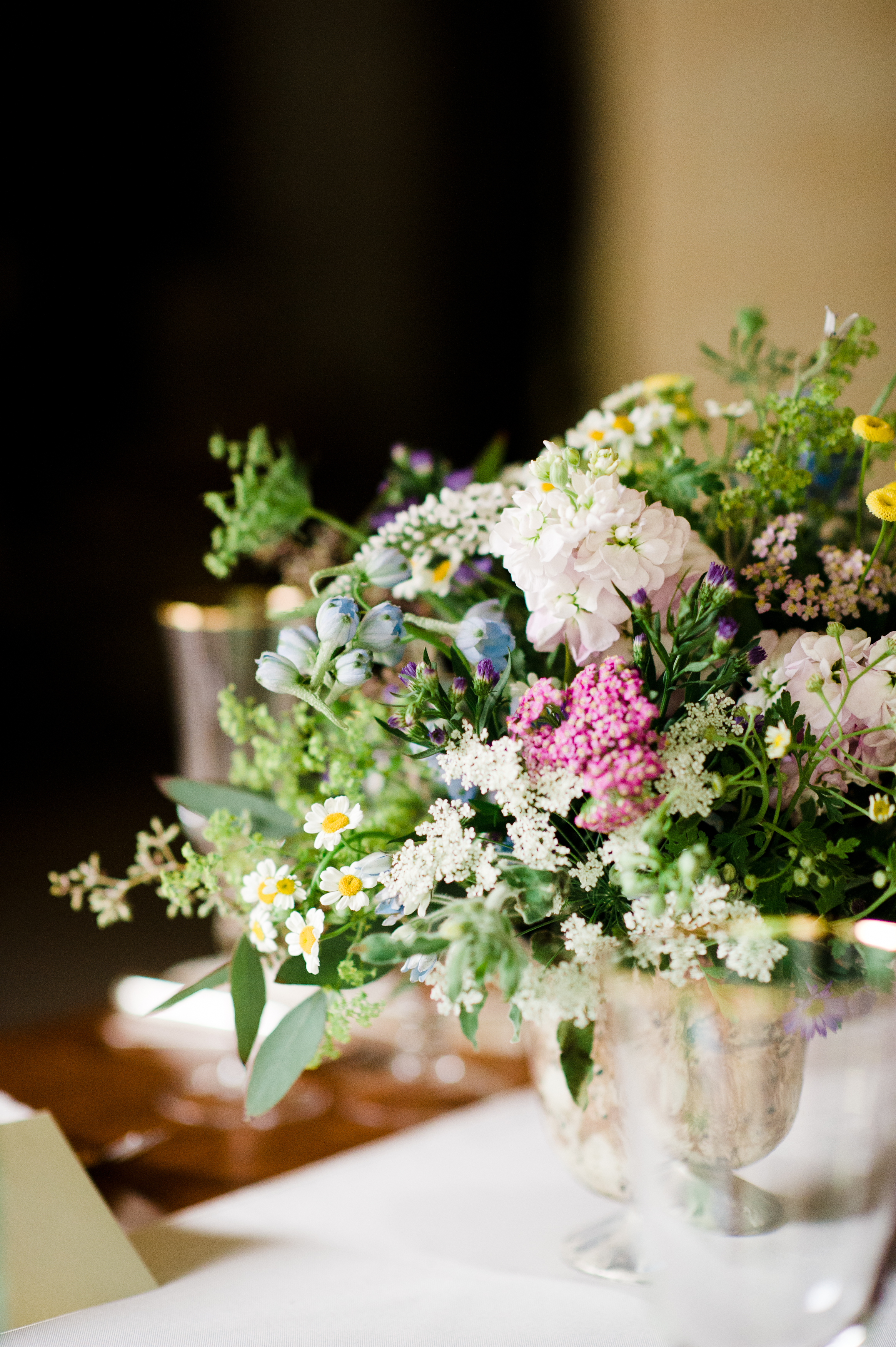 sumer tom connecticut wedding wedding flowers decor klw design. Black Bedroom Furniture Sets. Home Design Ideas