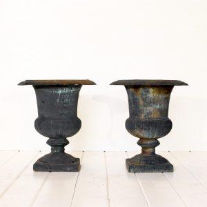 cast-iron-urns