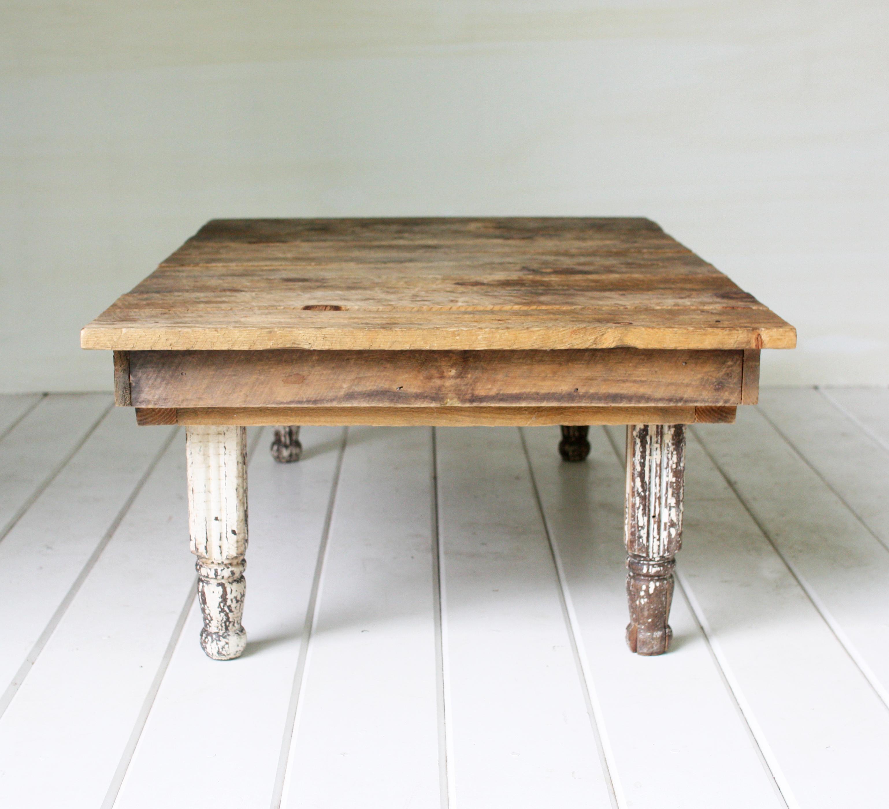Rustic coffee table vintage rentals in connecticut for Table rentals