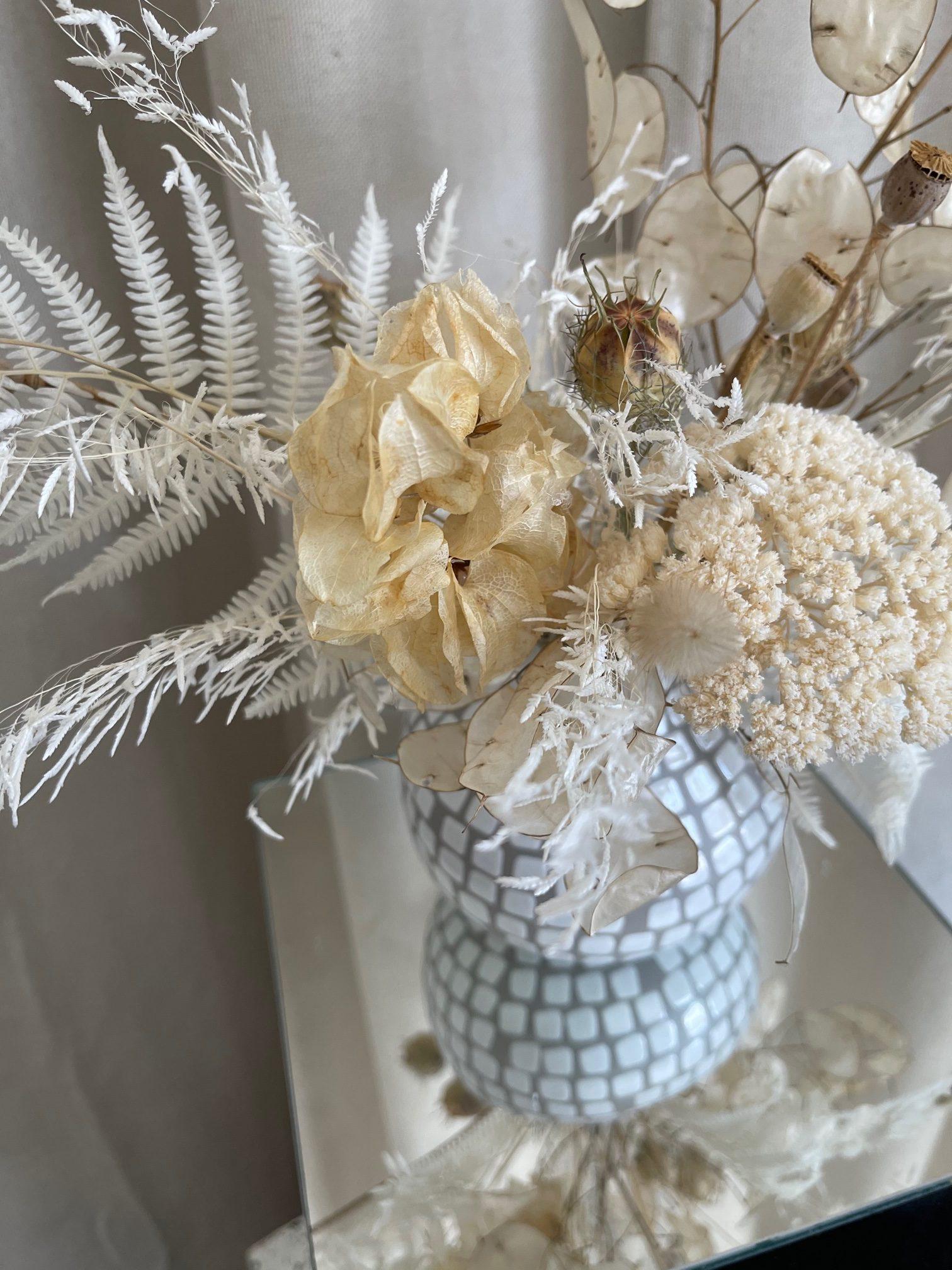 driedflowerarrangementdelivery